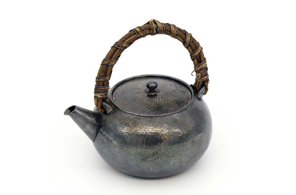 一見古美術生活 ‧ 難得一見 【尚氏純銀鳳凰形茶壺】