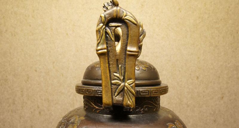 狻猊蓋蠟型鑄銅三足香爐